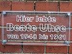 Tafel an der Propstei Flensburg, Hier lebte Beate Uhse von 1948-1961, Bild 04.jpg