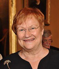 https://upload.wikimedia.org/wikipedia/commons/thumb/b/bc/Tarja_Halonen_1c389_8827-2.jpg/200px-Tarja_Halonen_1c389_8827-2.jpg