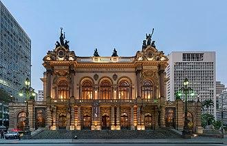 Theatro Municipal (São Paulo) - The main façade, after the 2011 restoration.