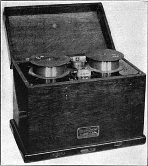 Wire recording - Poulsen Telegraphone recorder from 1922.