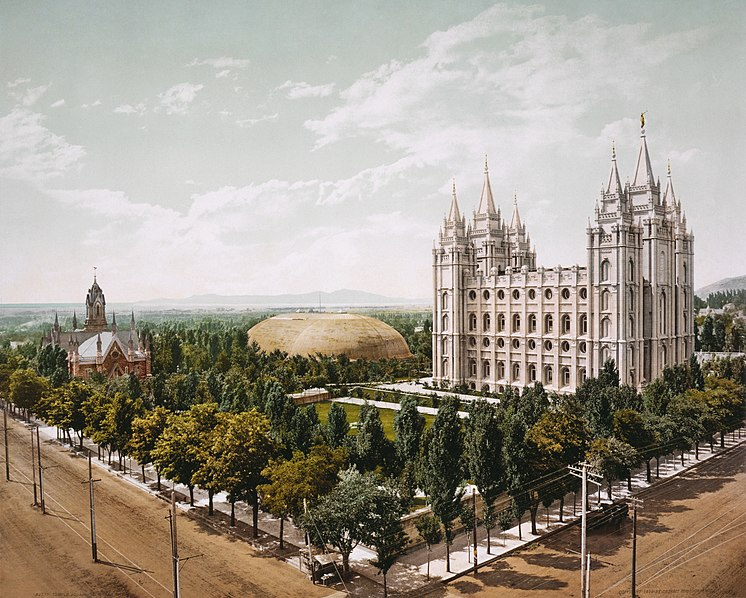 http://upload.wikimedia.org/wikipedia/commons/thumb/b/bc/Temple_Square%2C_Salt_Lake_City%2C_1899_retouched.jpg/746px-Temple_Square%2C_Salt_Lake_City%2C_1899_retouched.jpg