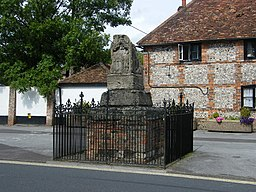 The Ludgershall Cross, High Street, Ludgershall - geograph.org.uk - 861874.jpg