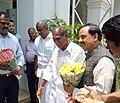 The Minister of State for Culture (Independent Charge), Tourism (Independent Charge) and Civil Aviation, Dr. Mahesh Sharma being welcomed by the Chief Minister of Puducherry, Shri N. Rangaswamy, at Puducherry on May 03, 2015.jpg