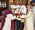 The President, Shri Pranab Mukherjee presenting the Padma Vibhushan Award to Sadhguru Jagadish Vasudev, at the Civil Investiture Ceremony, at Rashtrapati Bhavan, in New Delhi on April 13, 2017.jpg