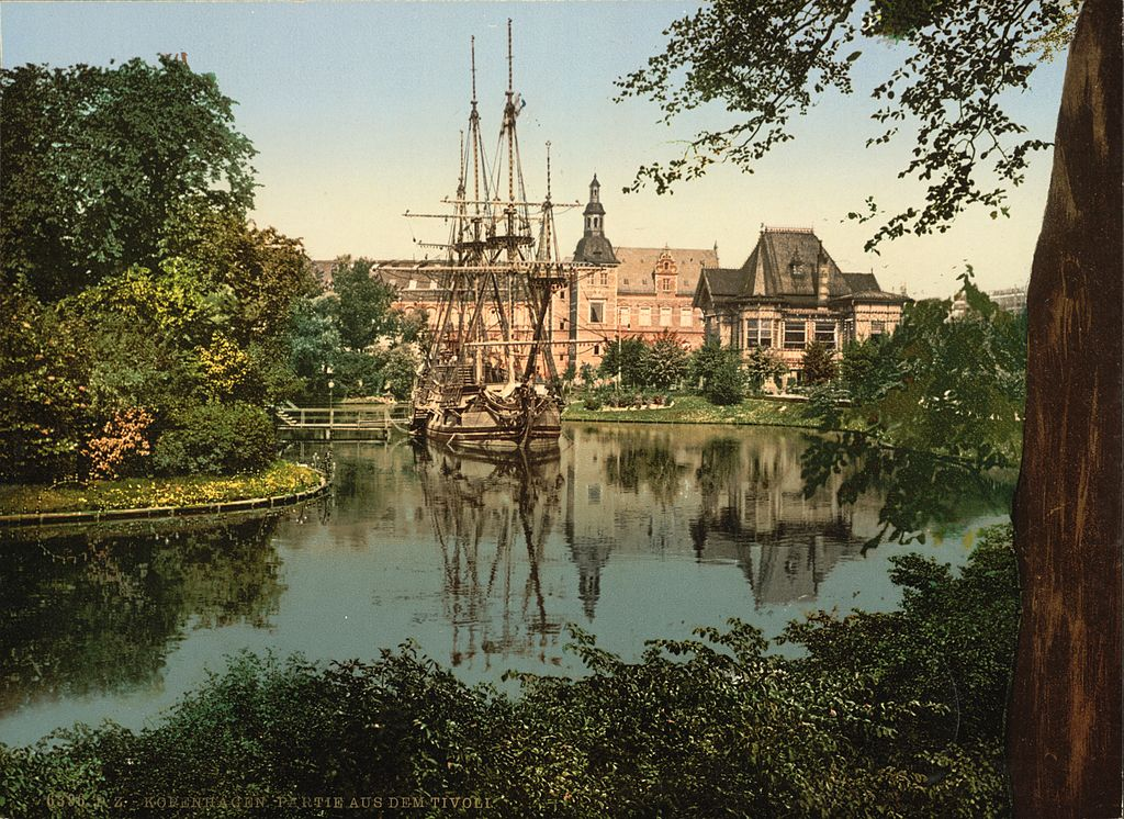 Parc d'attraction de Tivoli à Copenhague en 1900.