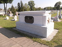The grave of the Hero of the Soviet Union Alexei Skrylev.JPG