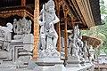 Tirta Empul temple (16435943634).jpg
