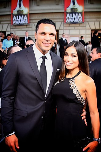 Tony Gonzalez - Image: Tony Gonzalez and October Gonzalez