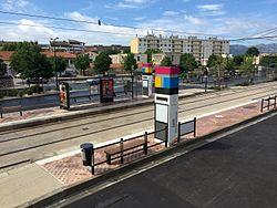 Tramway d 39 aubagne wikimonde for Piscine du charrel