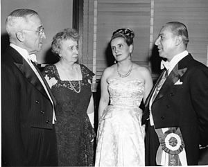 Gabriel González Videla - President Gonzalez, with his wife Rosa Markmann and Harry S. Truman and Mrs Truman