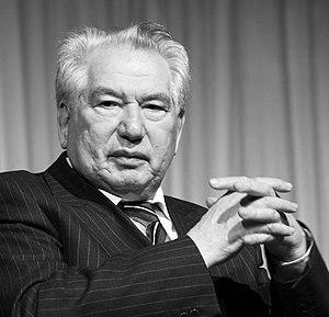 Chinghiz Aitmatov - Aitmatov in 2007