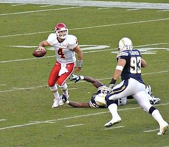 Luis Castillo (American football) - Castillo chases Chiefs QB Tyler Thigpen.