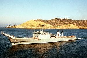 USS Frederick (LST-1184) underway in 1984.jpg