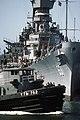 USS Tuscumbia (YTB- 762) assists USS Missouri (BB-63).jpg