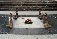 ValleDeLosCaidos Tomb Franco.jpg