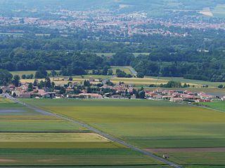 Varennes-sur-Usson Commune in Auvergne-Rhône-Alpes, France