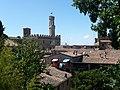 Veduta dalle mura del Palazzo dei Priori.jpg