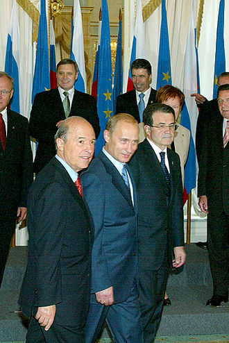 Costas Simitis - Costas Simitis with Russian President Vladimir Putin and Romano Prodi.