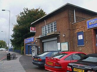 Waddon railway station - Image: Waddon station building