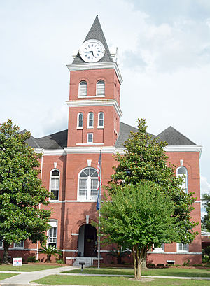 Wayne County courthouse in Jesup