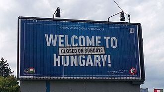 Sunday shopping - A billboard erected in Budapest's III district by the opposition MKKP-Vastagbőr alignment