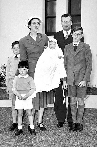 Gough Whitlam - Whitlam with his wife Margaret and their four children in 1954