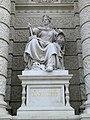 Wien KHM Fassadenskulptur Bildhauerei.jpg