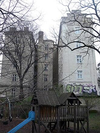 Meldemannstraße dormitory - Side view from Stromstraße