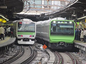 Yamanoteline new and old @shinjuku.jpg