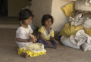 Raisen district - Young girls in the Raisen district
