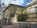 Больница св. Марии Магдалины, покойницкая и ограда02.jpg