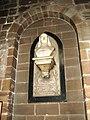 Бюст Исаака Уолтона в церкви Св Марии.jpg