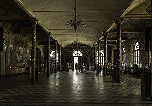 Палата трапезна з церквою Антонія і Феодосія - Pasillo.jpg