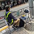 交通量調査 パイプ椅子2つ (22624395159).jpg