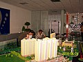 旭晖房产白经理带领售房部员工布置沙盘 - panoramio.jpg