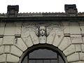 064 Estació Central, detall de la façana.jpg