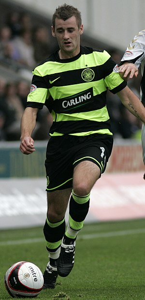 Niall McGinn - McGinn playing for Celtic in 2009