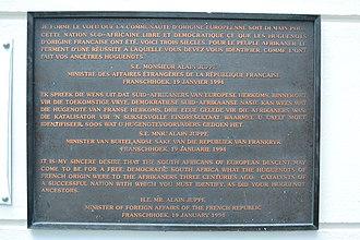 Huguenot Monument - Plaque erected in 1994