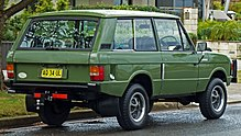 https://upload.wikimedia.org/wikipedia/commons/thumb/b/bd/1972_Land_Rover_Range_Rover_3-door_wagon_%282010-10-02%29_02.jpg/220px-1972_Land_Rover_Range_Rover_3-door_wagon_%282010-10-02%29_02.jpg