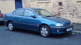 1998 Toyota Avensis 1.8 GLS Automatic Saloon (15773707869).jpg