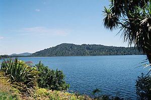 Lake Ianthe - Lake Ianthe, December 2000