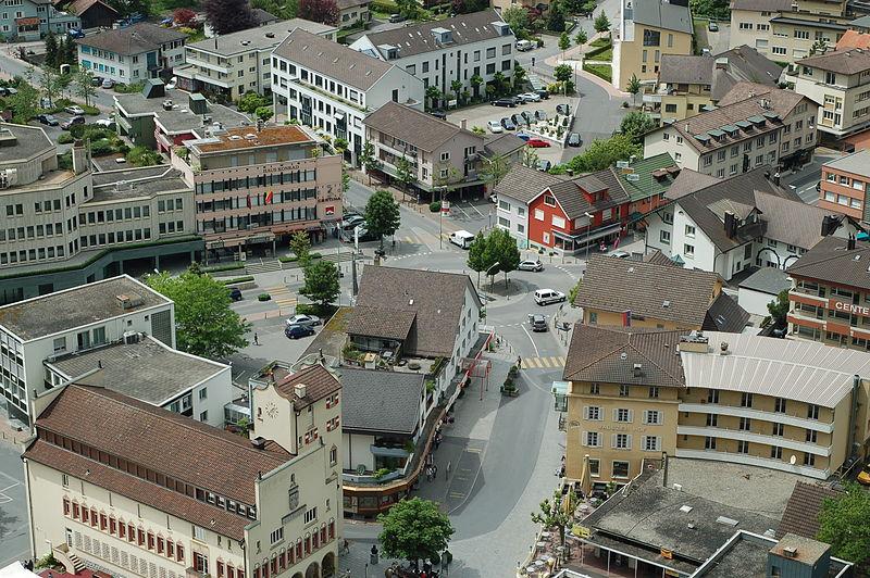 Plik:2008-05-19 Vaduz Liechtenstein 5515.jpg