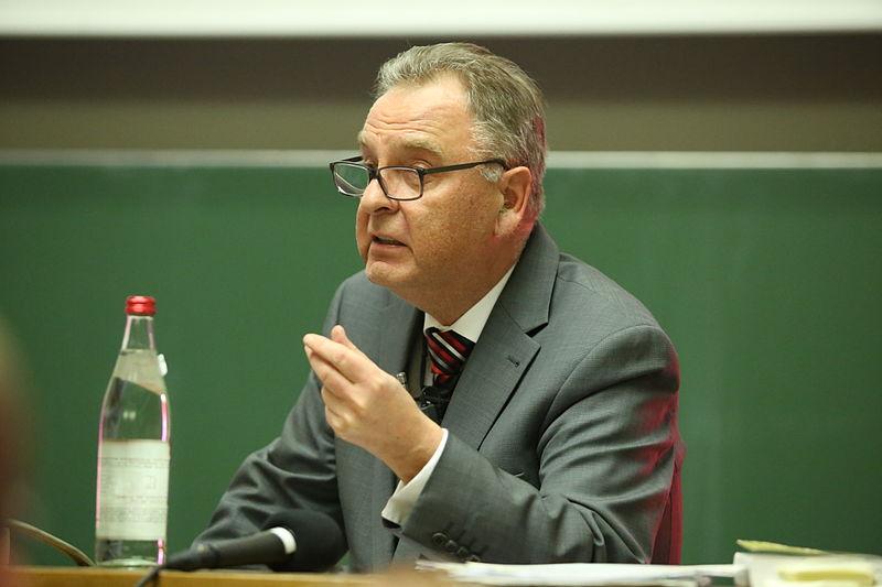 File:2014-01-08 Hans-Jürgen Papier 5124.JPG