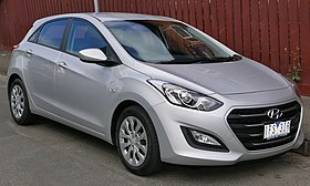 2015 Hyundai i30 (GD3 Series II MY16) Active 5-door hatchback (2015-11-13) 01.jpg