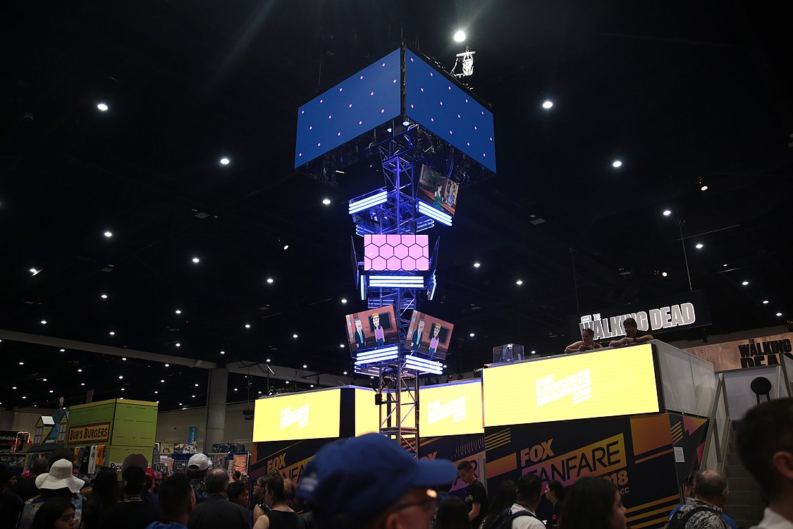 20th Century Fox booth (42690004625).jpg