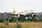 A319 Iberia EC-HKO (14127667997).jpg