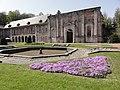 Abbaye d'Aulne, l'esplanade, bâtiment ouest.jpg