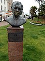 Agatha Christie statue in Torquay (geograph 4258840).jpg