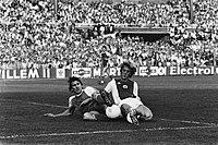 Ajax tegen AZ '67 3-2, Ajax kampioen Kieft in duel met Spelbos, Bestanddeelnr 932-1616.jpg