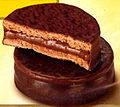 Alfajor chocolate y dulce de leche.jpg